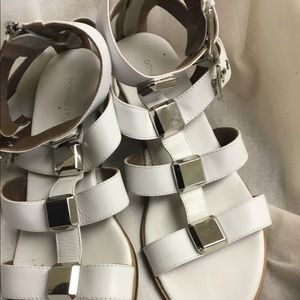 Donald J. Pliner Shoes - Donald J Pliner white leather glad sandals sz 9.5M